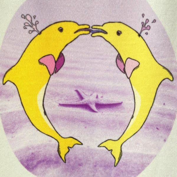 shirt tongende dolfijnen